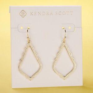 New Kendra Scott Sophia Earrings In Gold